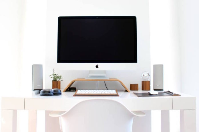 Minimal Workspaces Top 10 Setups