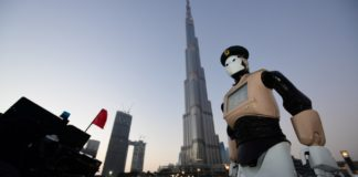 Polizeiroboter in Dubai
